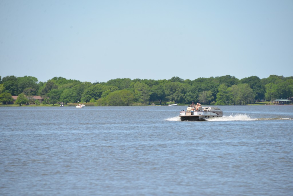Boating_on_Lake_Bonham